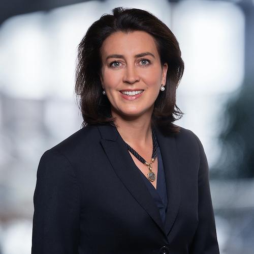 Anna Engelbrecht, Prokuristin